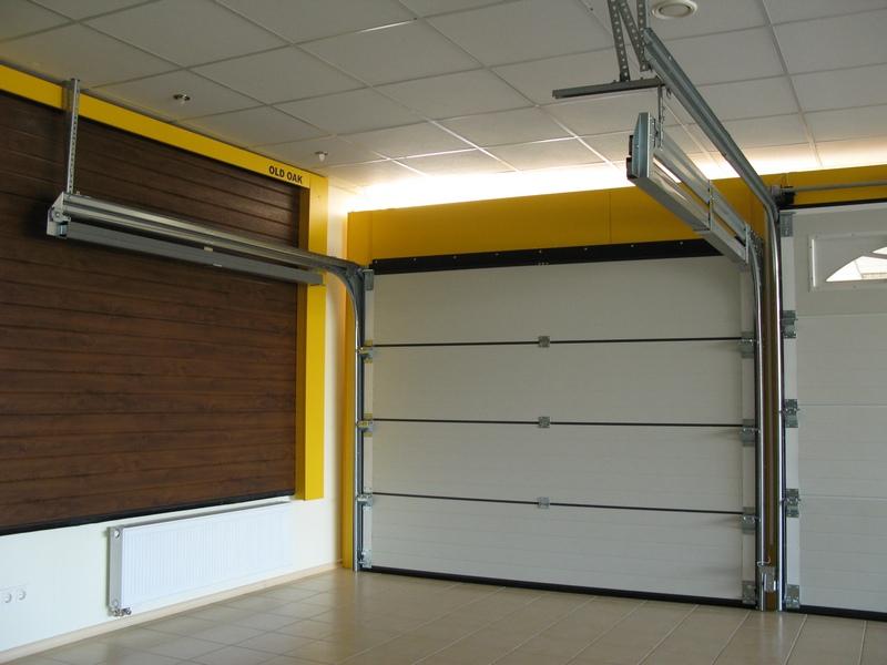 Готовые секционные гаражные ворота