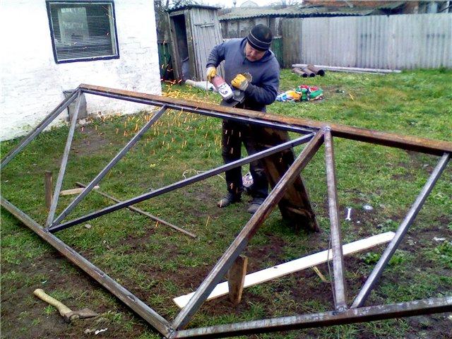 Изготовление откатных ворот из профнастила