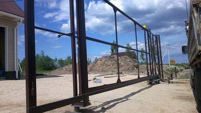 Каркас откатных ворот на винтовых сваях