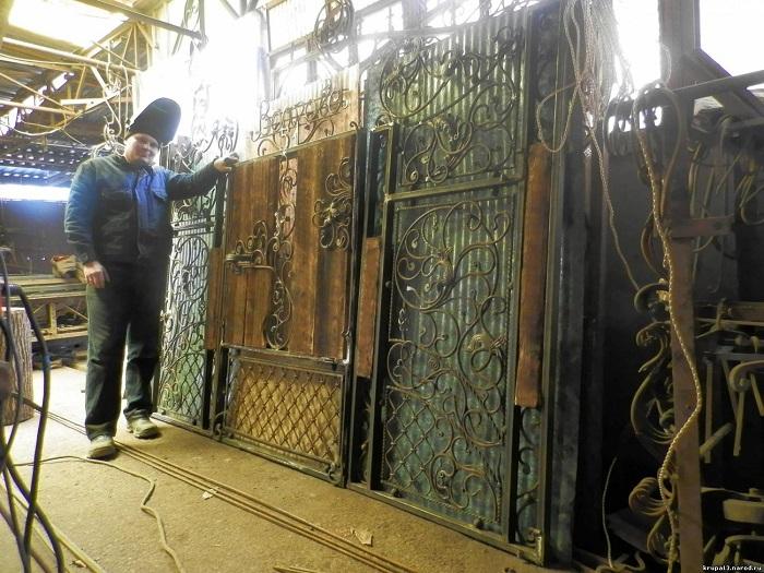 Изготовление кованых откатных ворот