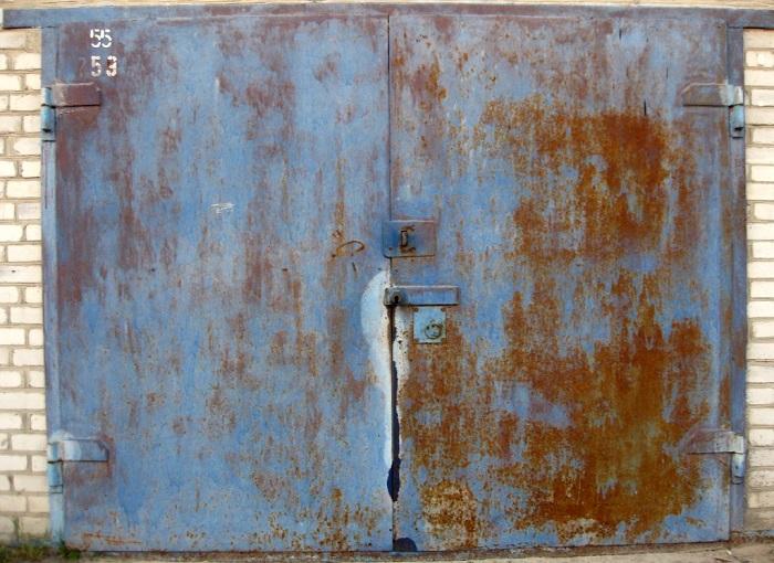 Коррозия гаражных ворот