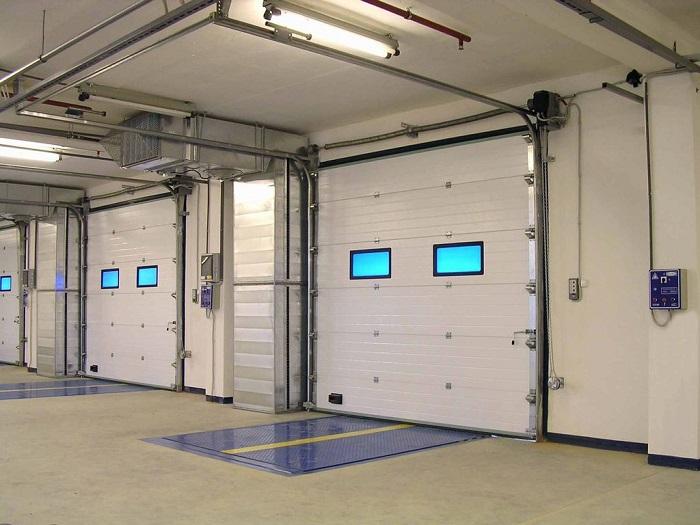 Производственные секционные ворота