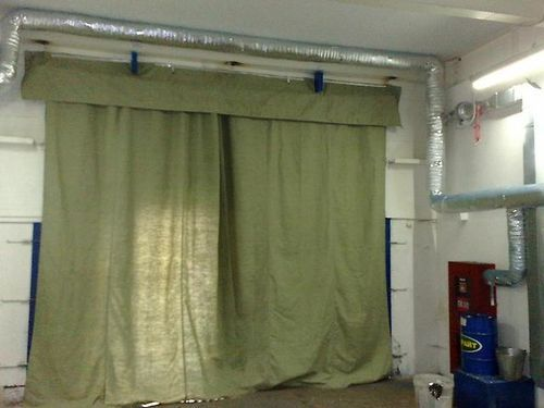 Брезентовые шторы на ворота в гараже