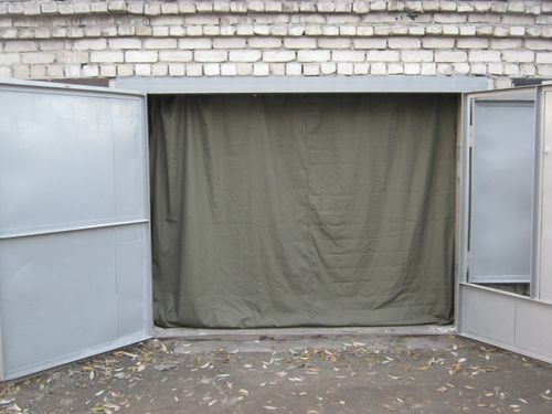 Шторы для ворот гаража из ткани
