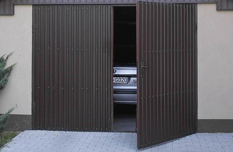 Распашные стальные гаражные ворота