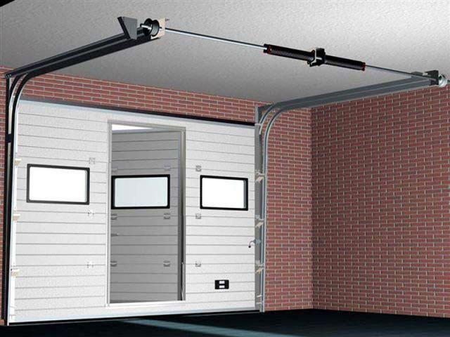 Автоматические секционные гаражные ворота - вид изнутри