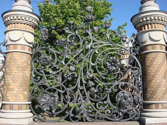Декоративный кованый забор