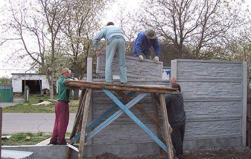 Установка бетонных секций