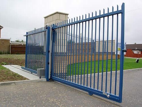 Откатные рельсовые ворота