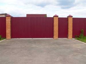 забор с профнастила фото