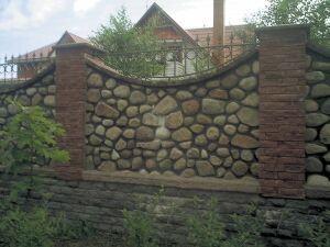 забор из камня своими руками фото