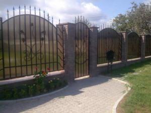 забор из поликарбоната фото
