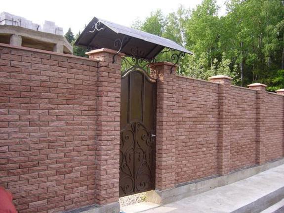 Козырек над забором