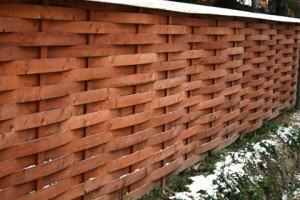 забор плетеный фото