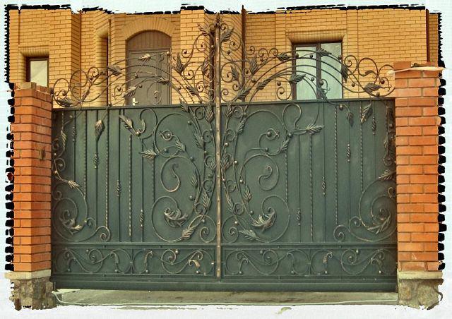 Автоматические откатные кованые металлические ворота