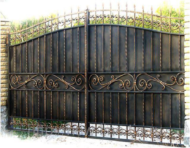 Раздвижные кованые ворота