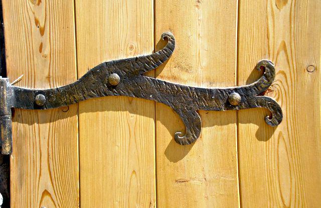 Кованые петли для ворот