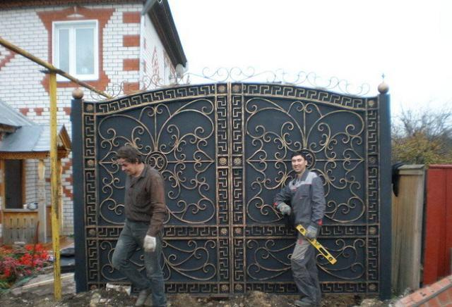 Установка кованных ворот своими руками 40