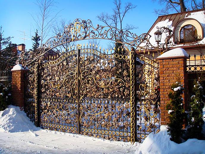 Распашные кованые ворота в стиле барокко
